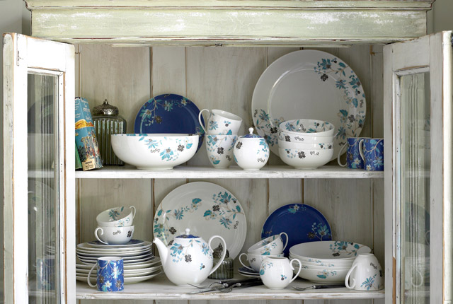 How to choose the right pottery gift with Denby china