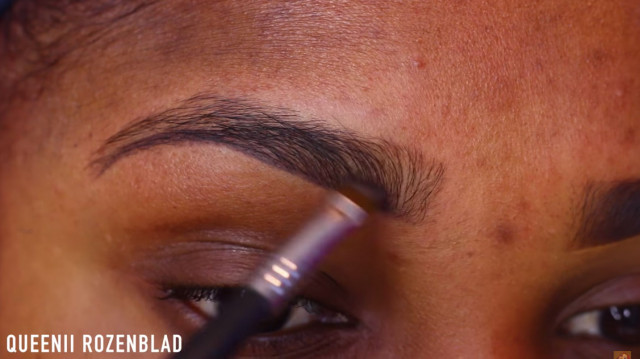 One Way To Sculpt Shape and Contour Your Eyebrows