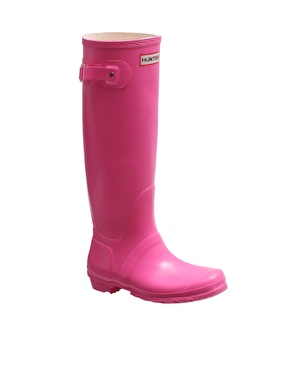 Hunter boots - how to achieve that elusive glamour girl look whilst splashing through puddles