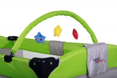 Infantastic practical travel cot