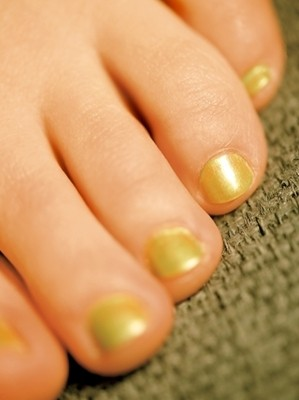 Know the Ways to Identify Your Nail Fungus