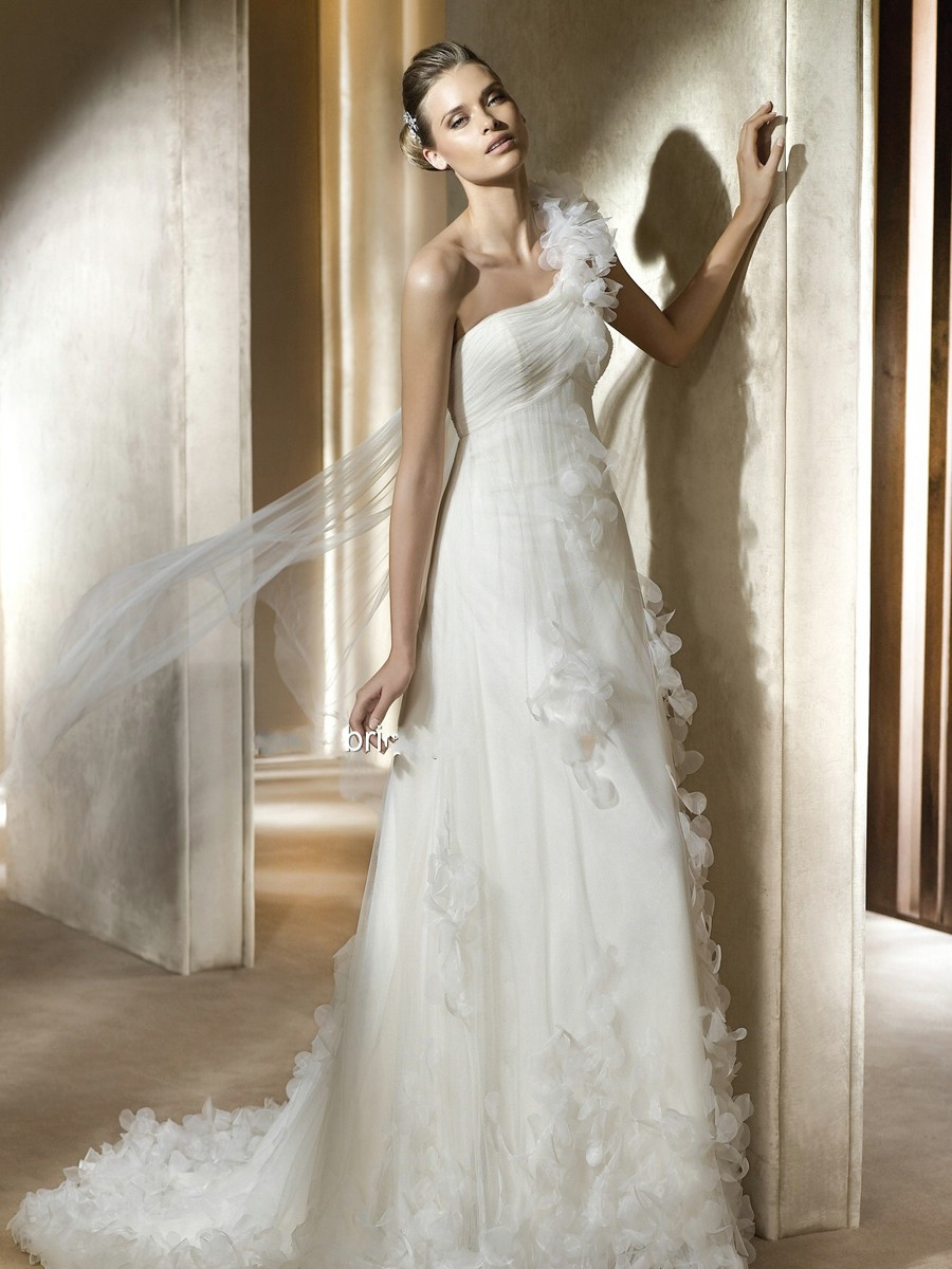 Wedding Dress Materials And How To Use Them