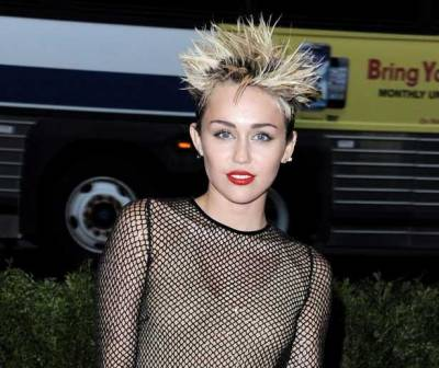 Miley Cyrus Voted Top Hottie in Maxim 100, Err What?