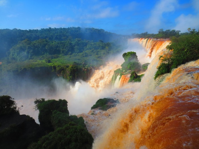 How to see Iguazu Falls in Argentina By Rachel Ricks
