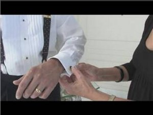 Men's Fashion Tips : How to Attach Cuff Links